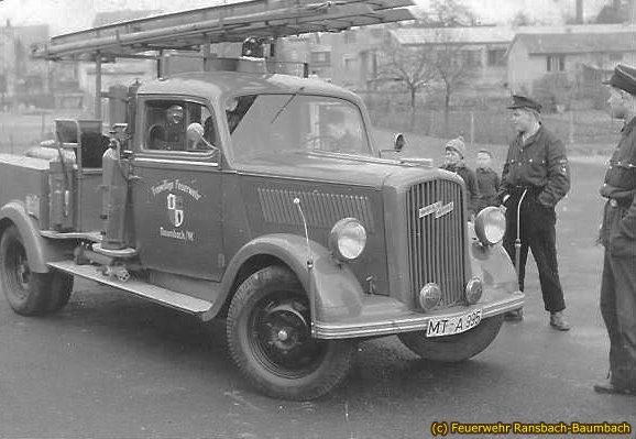 Schaumlösch- und Mannschaftswagen Spatz von 1954